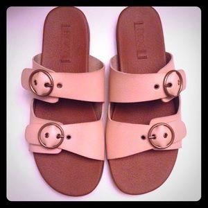 Roxy Neena Buckle sandals light brown size 7